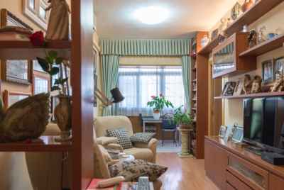 Bright apartment in Eixample area of Barcelona